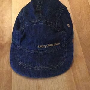 Baby gap 1989 jean cap size 12-18M